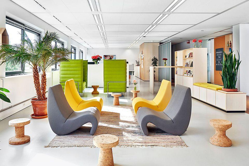 Kantoor En Meer : De moderne kantoor interieur d illustratie stockvectorkunst en
